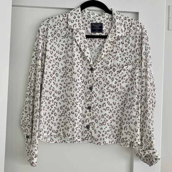 Abercrombie & Fitch Tops - Abercrombie Animal Print Button-Up Crepe Top